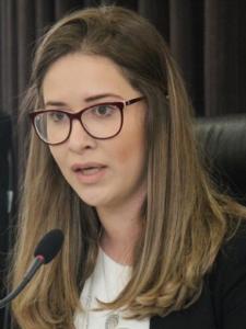 Camila Regina de Oliveira